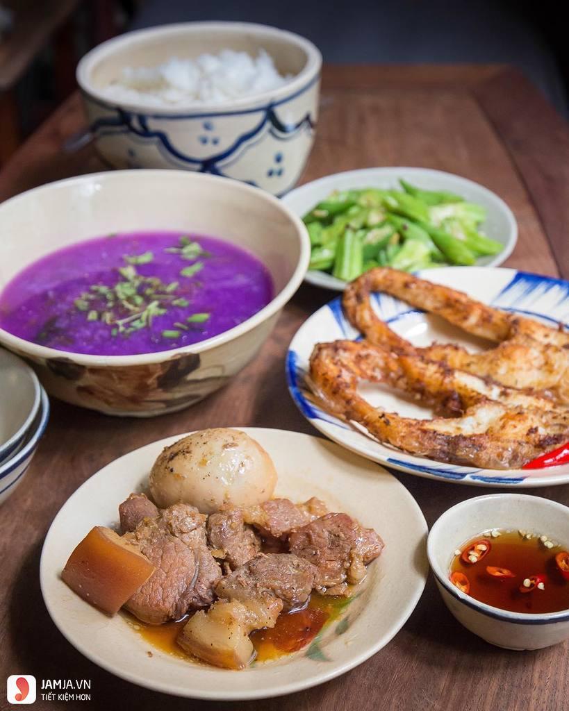 Saigon Retro Cafe đồ ăn, quán cafe view đẹp ở sài gòn