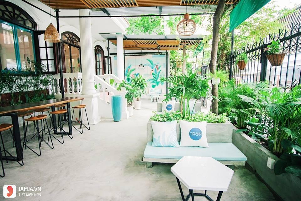 Không gian ở Tròn Bistro, quán cafe view đẹp ở sài gòn