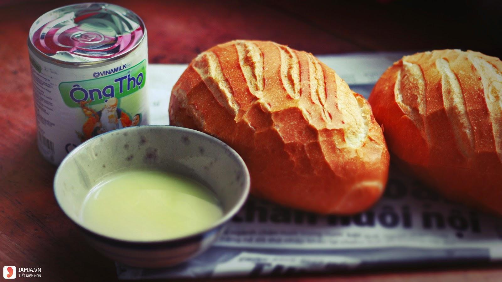 Ăn bánh mì chấm sữa có béo không