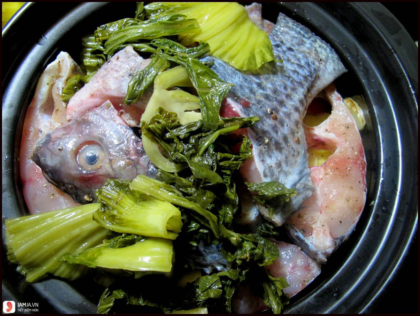 Cách nấu cá rô phi với dưa chua 1