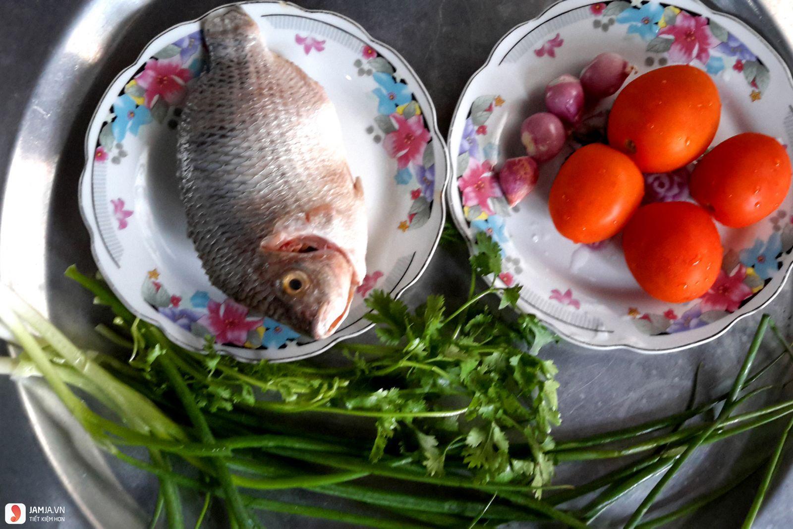 Cách nấu cá rô phi sốt cà chua 1
