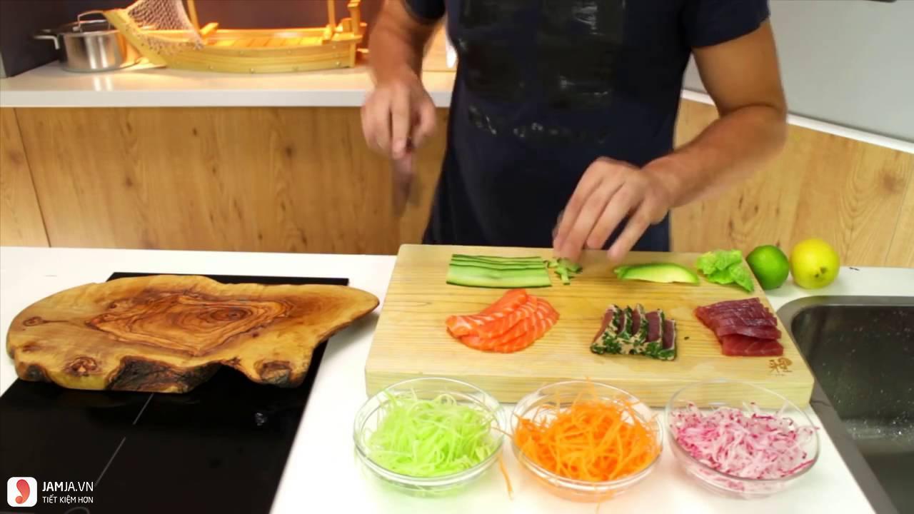 Cách làm sushi cá hồi 1