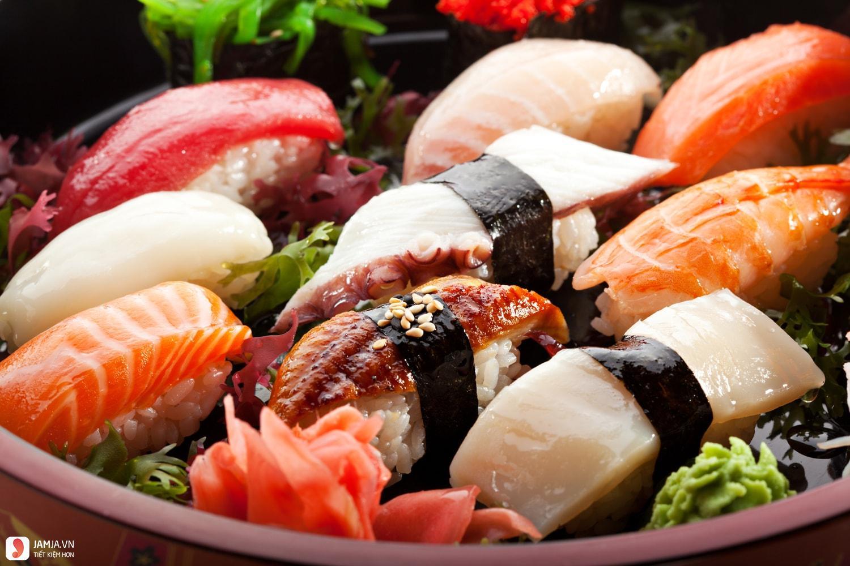 Cách làm sushi cá hồi 2