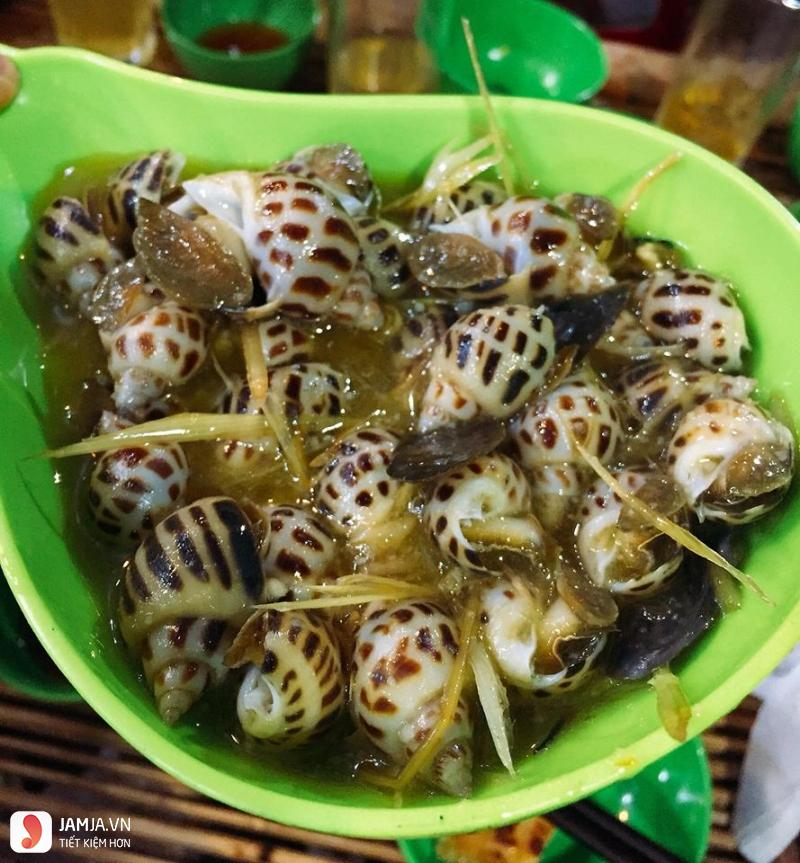 Linh Hoa Quán - Chè, Ốc & Các Món Ăn Vặt