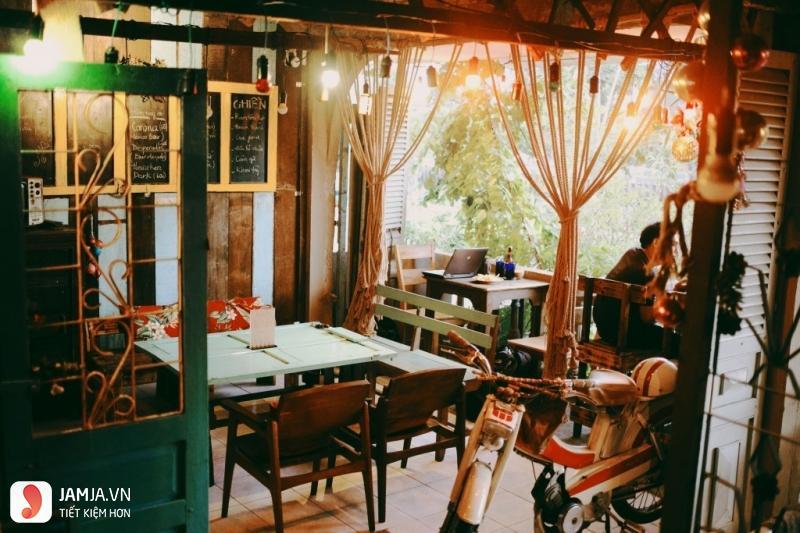 Quán cà phê Năm Mười Mười Lăm Cafe 4