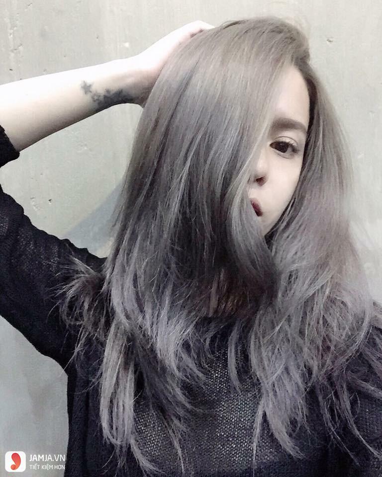 Nhuộm tóc màu khói xám