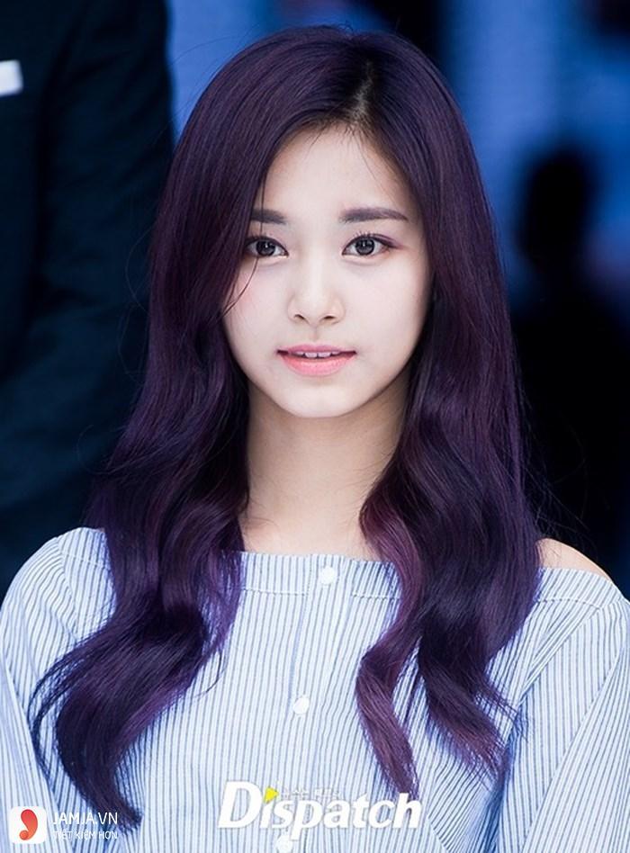 nhuộm tóc màu tím đen 1