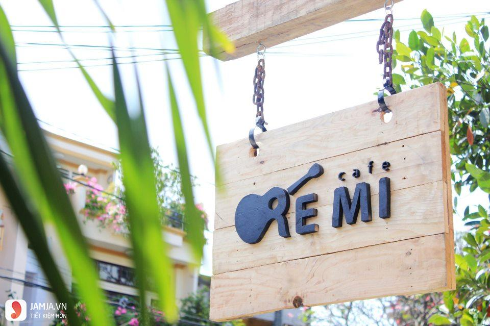 remi cafe 1
