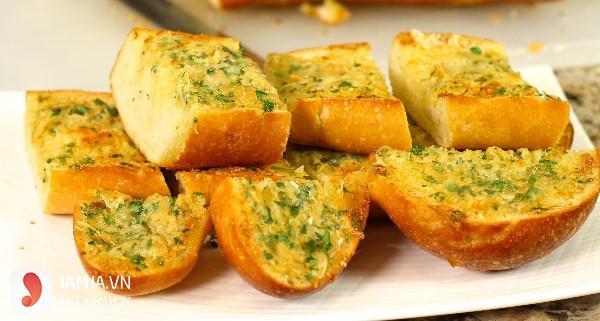 Bánh mì nướng bơ tỏi giòn thơm