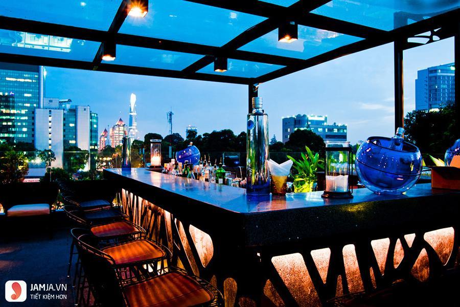 Cloud 9 Rooftop Bar bên ngoài