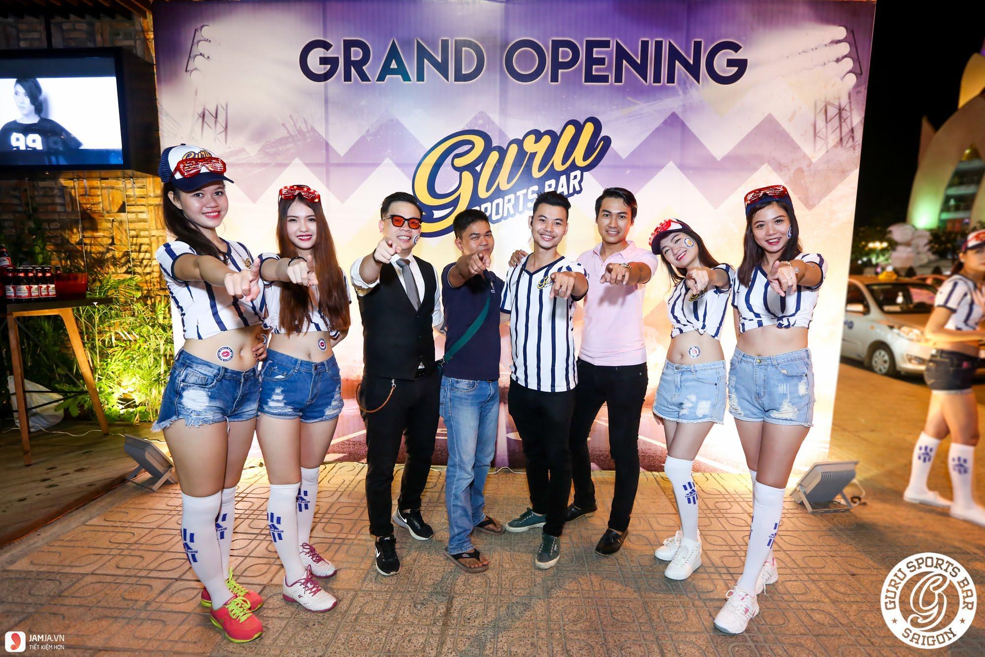 Guru Sport Bar 1