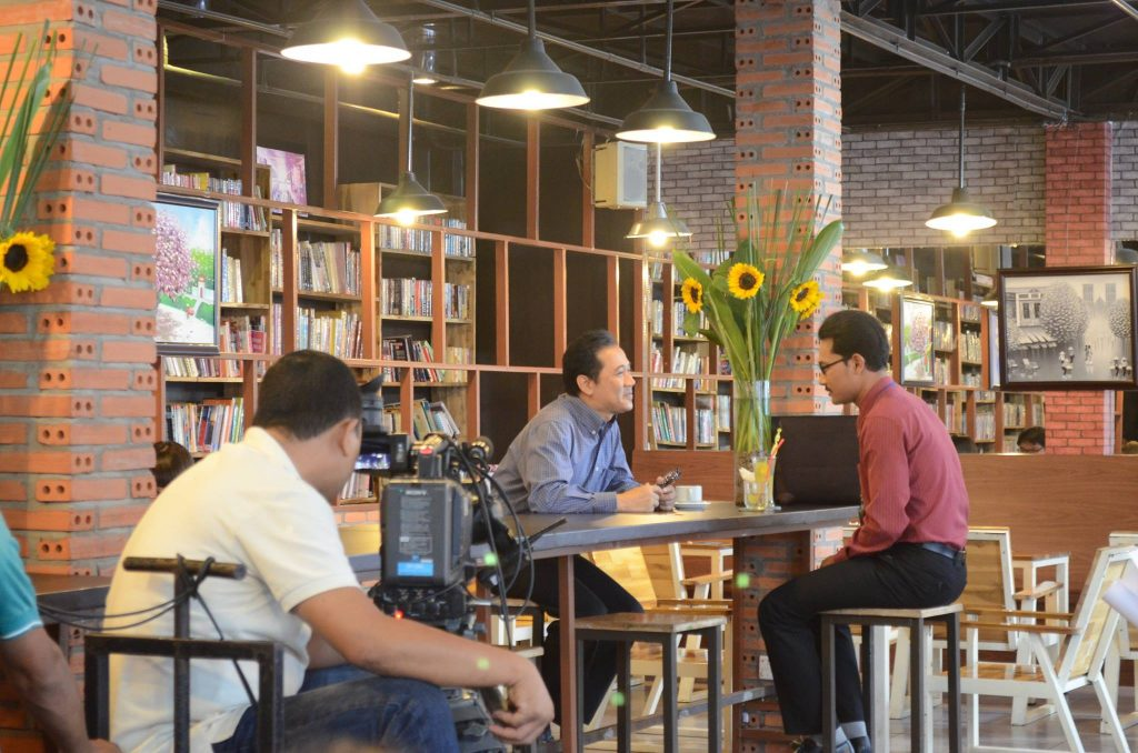 Hub Book Coffee 1