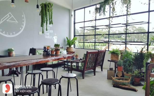 Cách trang trí quán cafe trong nhà 4
