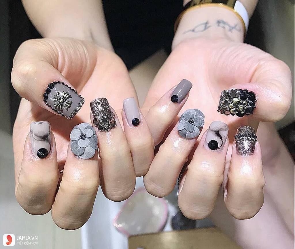 Nail đính đá - 2