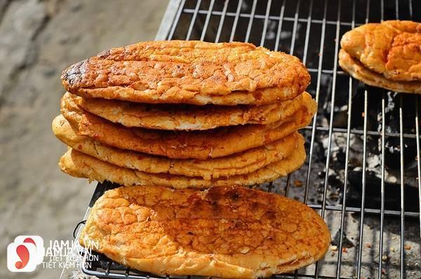 cách làm bánh mỳ nướng muối ớt 4
