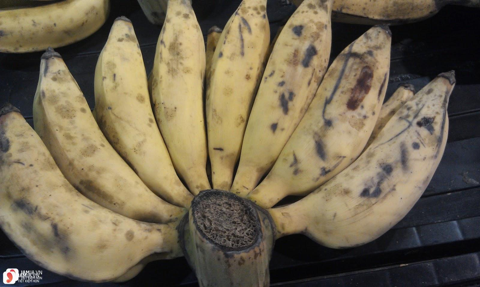 Cách làm món bánh hoa quả chiên với bột mì 1