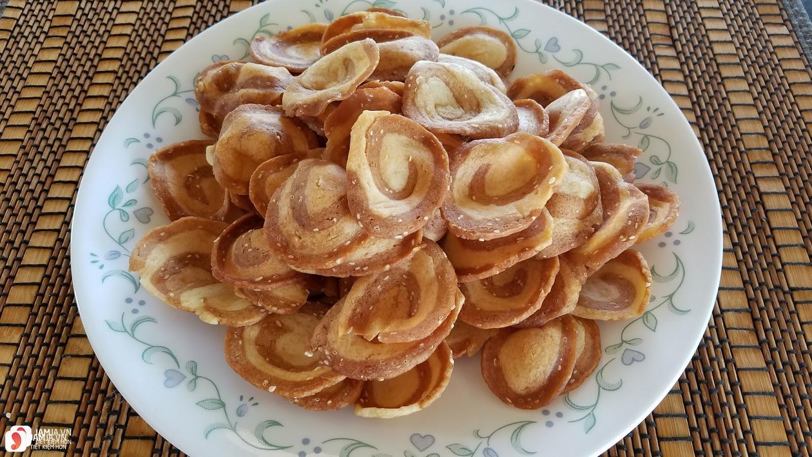 Cách làm món bánh tai heo từ bột mì 5