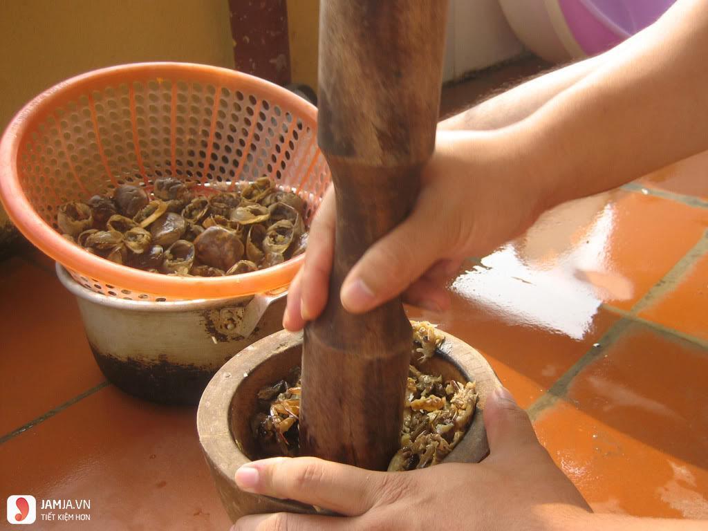 Cách nấu canh rau đay không bị nhớt vớt cua đồng 2