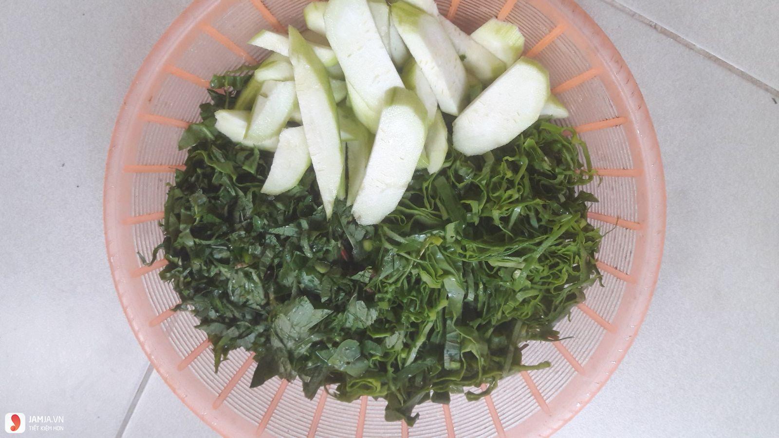 Cách nấu canh rau đay không bị nhớt vớt cua đồng 3