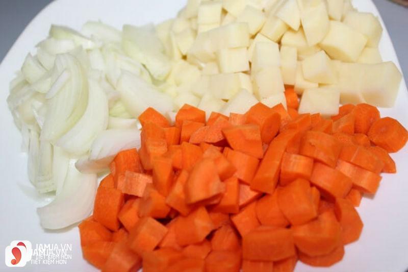 Cách nấu cari bò chuẩn vị 1