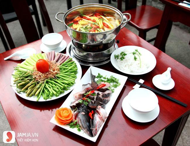 cách nấu lẩu cá hồi măng chua 3