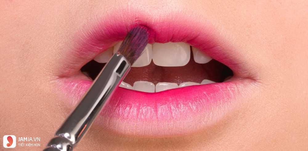 Cách thoa son tintLabiotteWine Lip Tint đúng cách 2