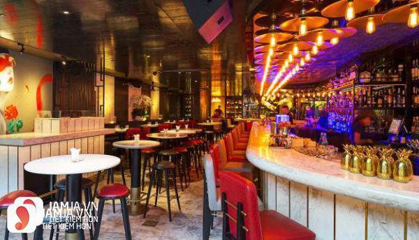 Không gian Bar Qui Lounge