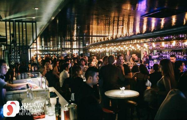 Không gian quán Bar Qui Lounge