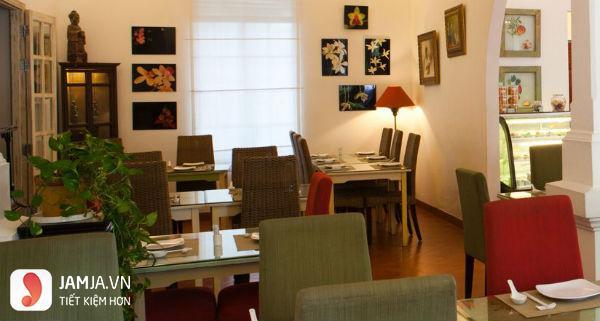 Nhà hàng Đông Phố1