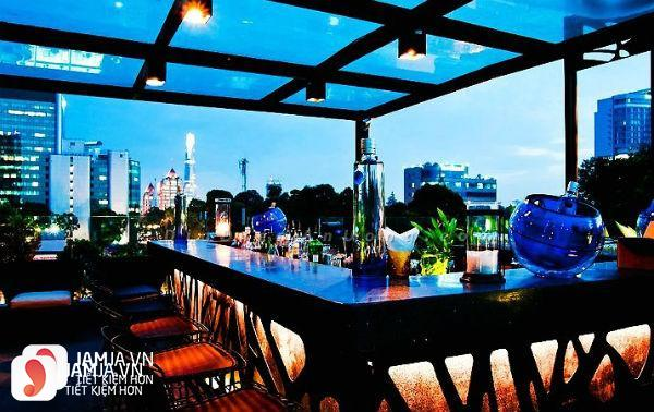 Quán Cloud 9 Rooftop Bar