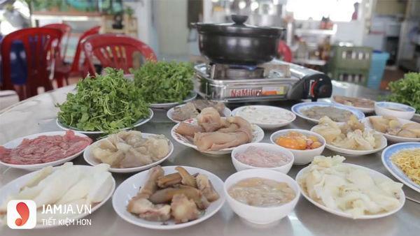 Quán lẩu Cây Dừa