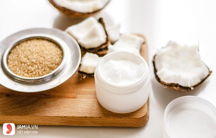 Tẩy tế bào da chết bằng đường và dầu dừa
