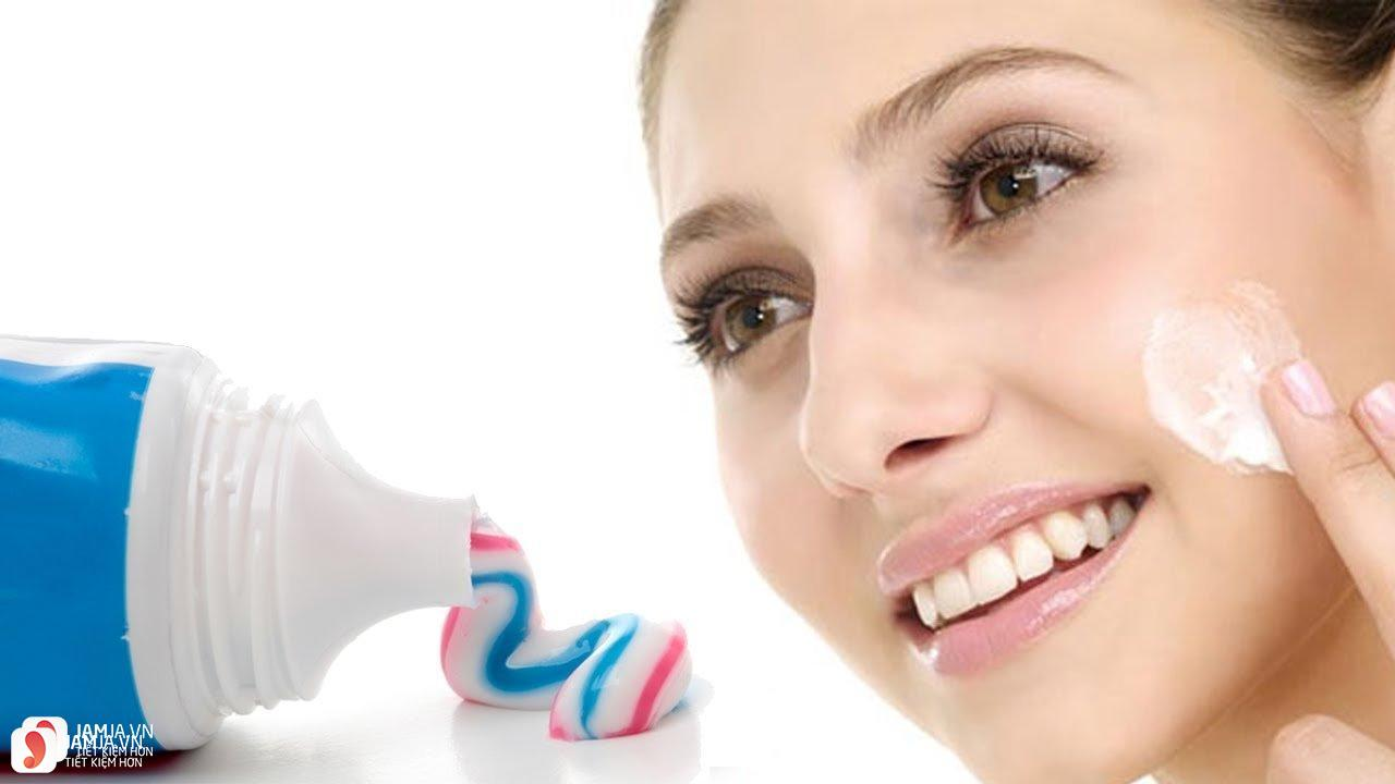 trị mụn đầu đen ở mũi bằng kem đánh răng có tốt không