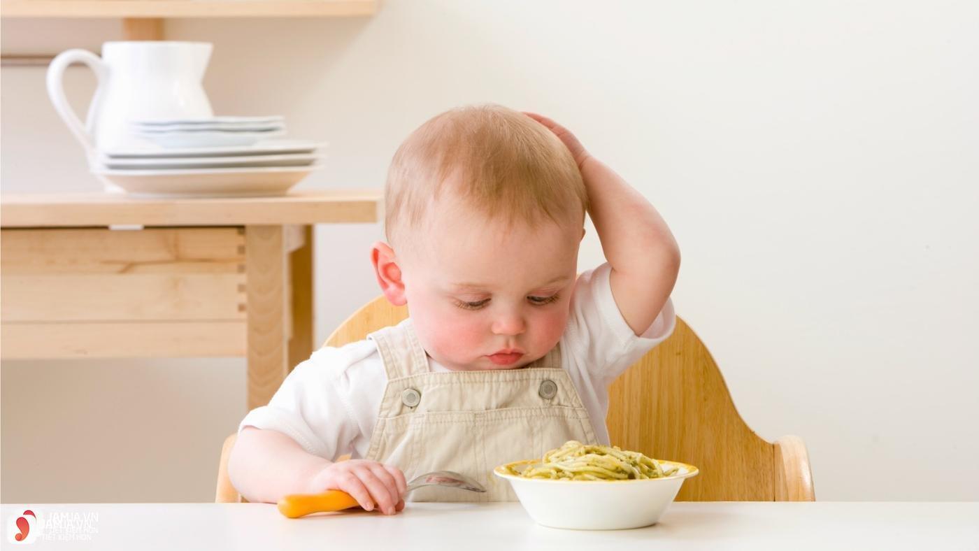 Vì sao trẻ lại biếng ăn 3