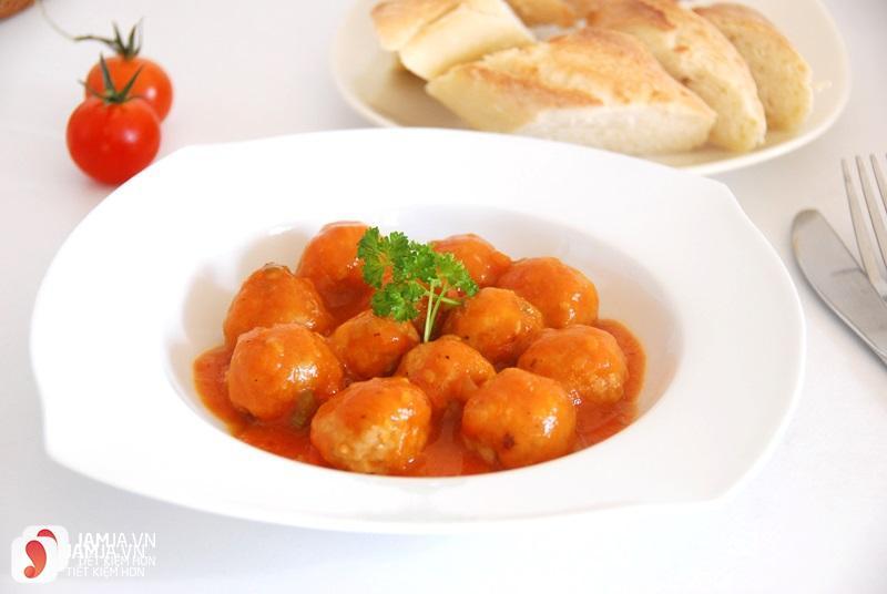 Xíu mại thịt heo sốt cà chua