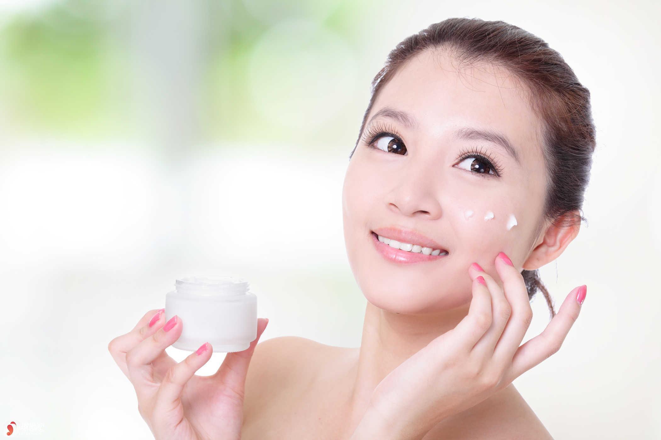 bí kíp để lựa chọn kem dưỡng phù hợp với da mặt