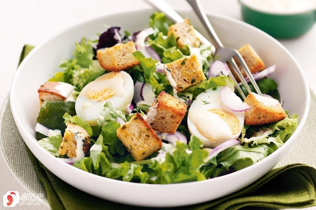 Cách làm salad bánh mì giảm cân cho bữa sáng 1