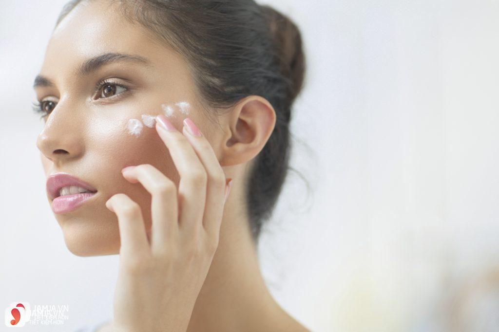 Chú ý khi chọn kem dưỡng ẩm cho da mụn nhạy cảm 4