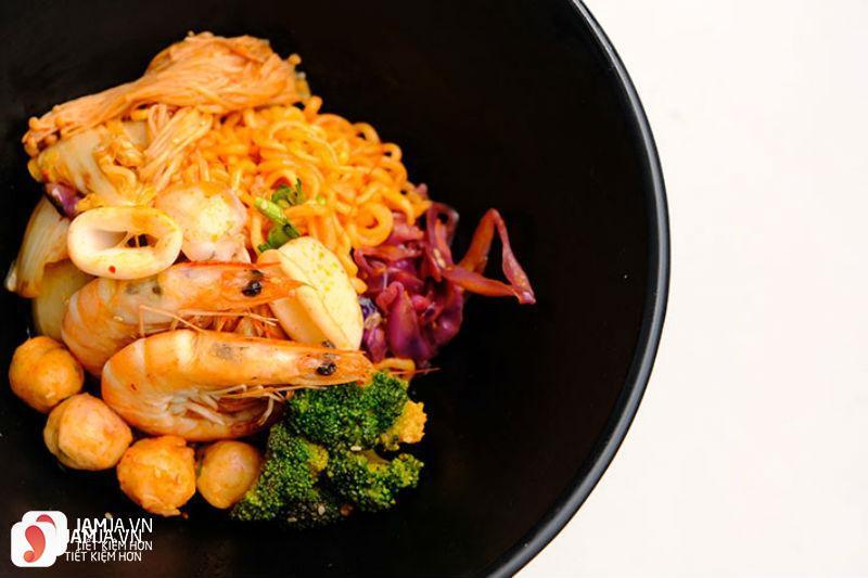 món ăn củaJune Noodle House 2