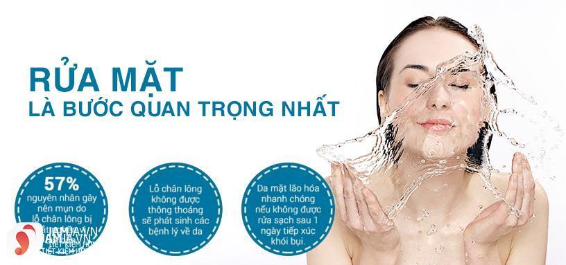 tại sao nên sử dụng sữa rửa mặt trong quá trình chăm sóc da