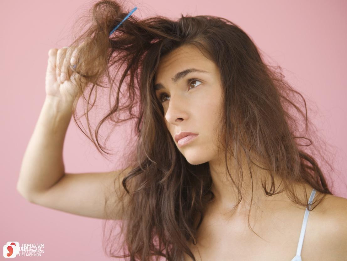 Vì sao mùa hè khiến tóc hư tổn 1