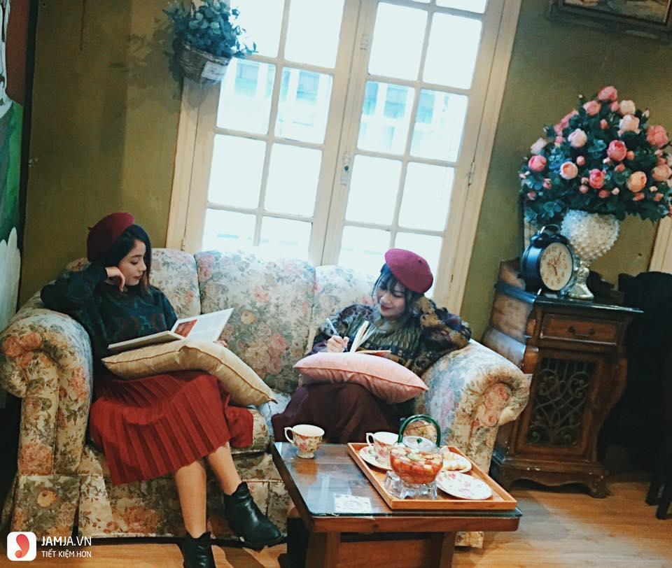 Antique Cafe - 1