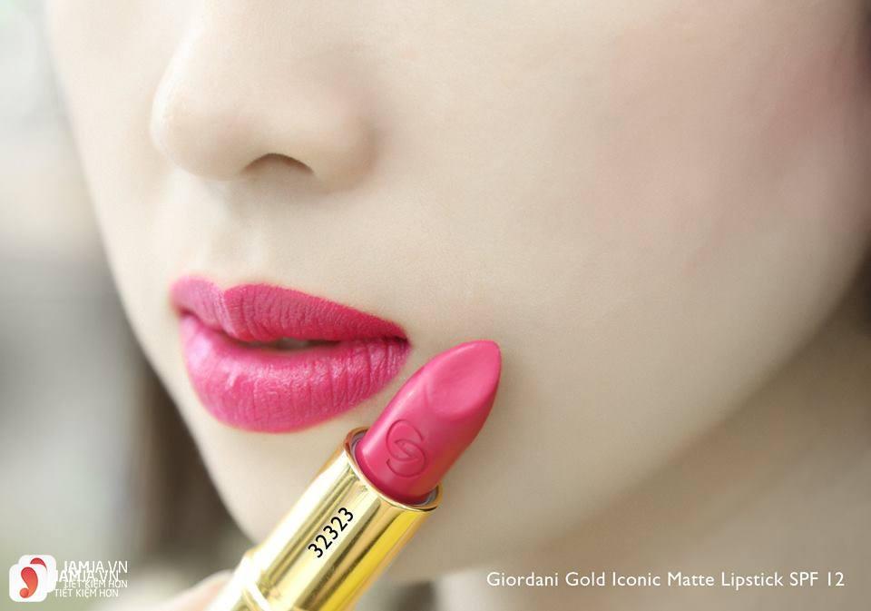 Review sonOriflame Giordani Gold Iconic Matte Lipstick SPF12 7