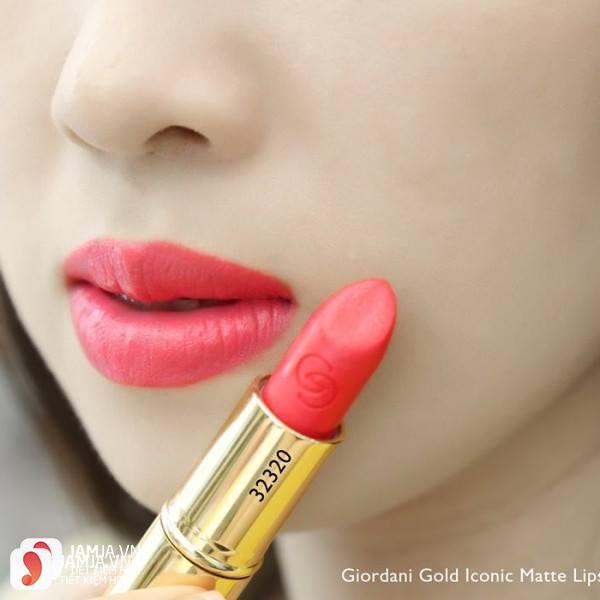 Review sonOriflame Giordani Gold Iconic Matte Lipstick SPF12 8