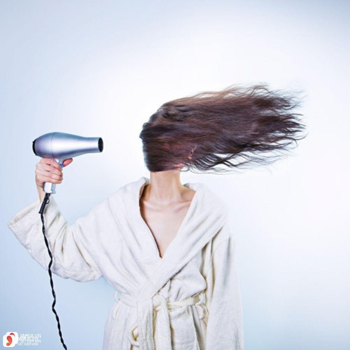 cách chọn máy sấy tóc 2