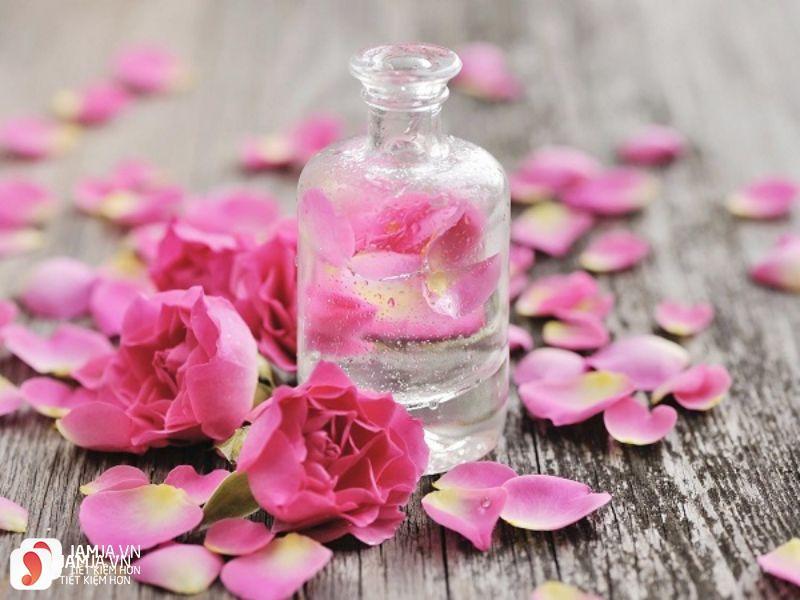 Cách làm nước hoa hồng 7