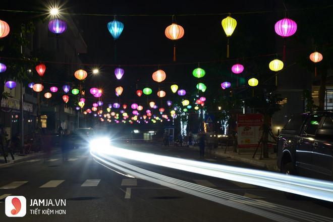 Con đường đèn lồng Hà Đông