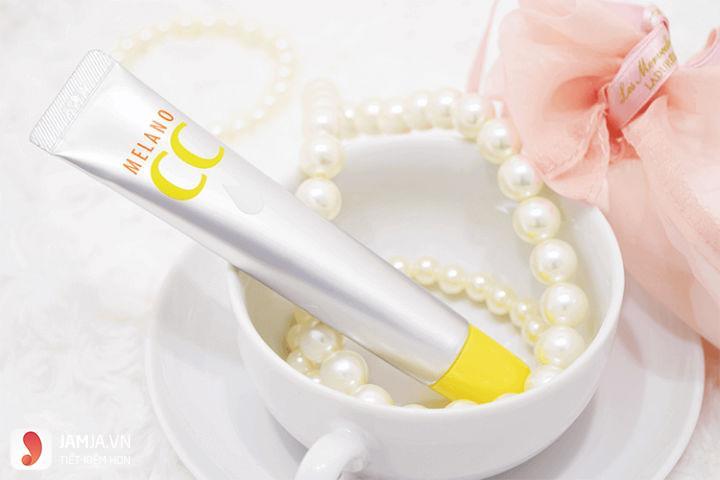 Serum Vitamin C Melano CC Rohto 1