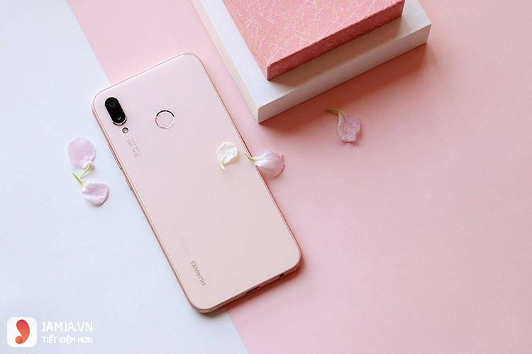 Huawei Nova 3e mặt sau