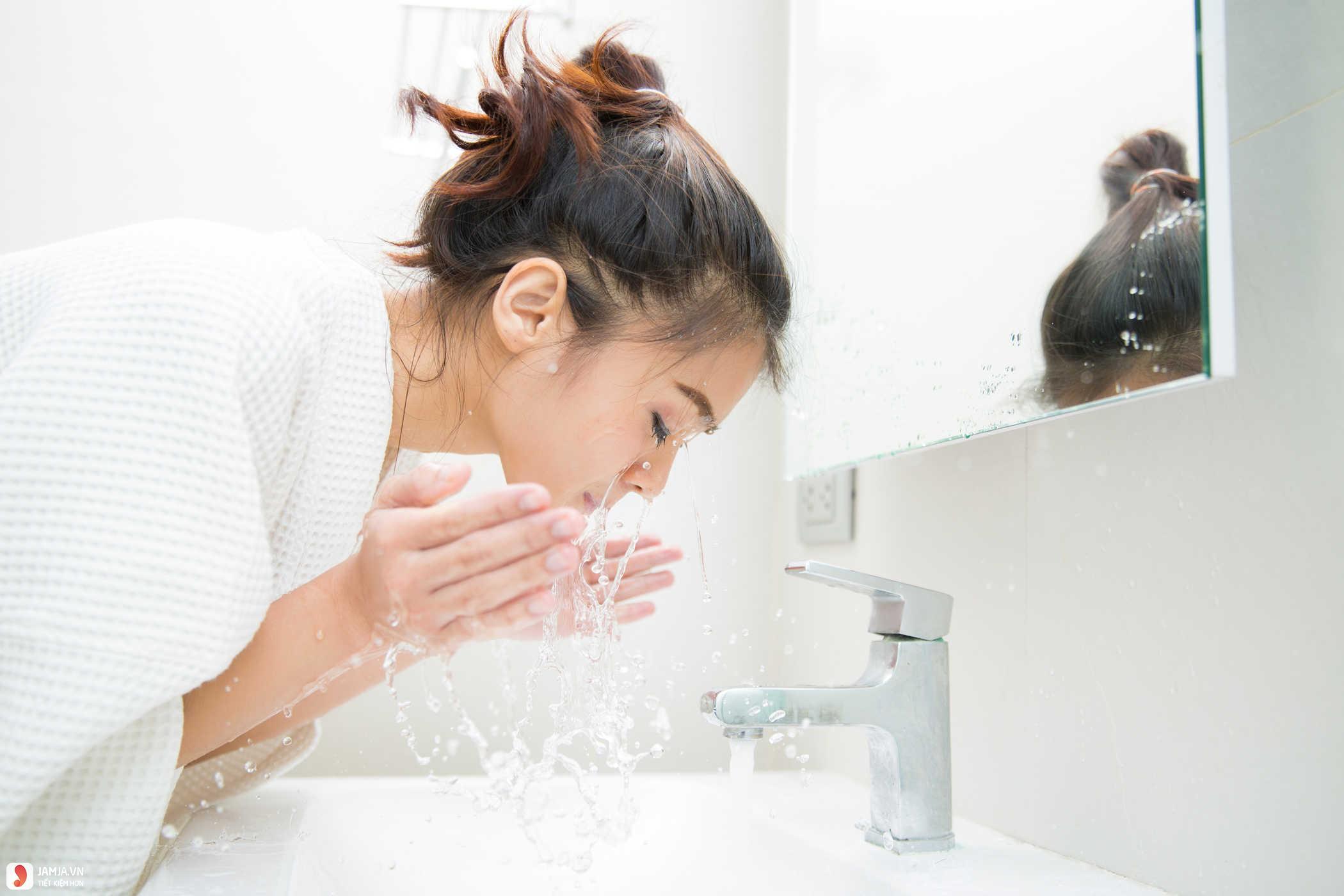 Cách sử dụng nước tẩy trang Byphasse đúng cách 2